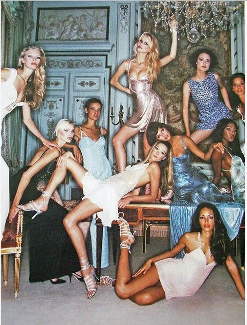 Kirsty Hume, Nadja Auermann, Nadege du Bospertus, Carla Bruni, Claudia Schiffer, Shalom Harlow, Naomi Campbell & Christy Turlington, circa mid 90s - Auf 80s-90s-supermodels.tumblr.com gefunden