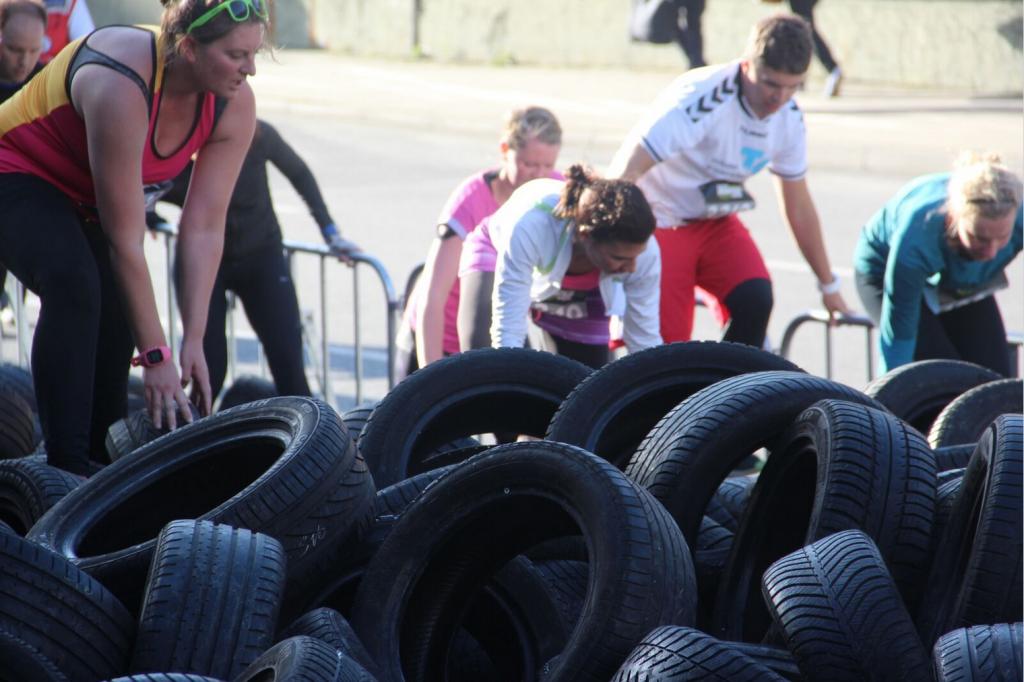 Was sind schon Reifen, steigen wir jeden tag drüber - klar ;-)