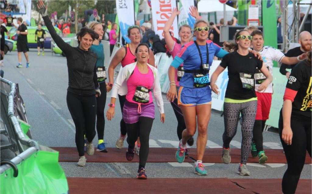 Urbanathlon 2015 - die TKelbsprinter laufen ins Ziel ein # yeah