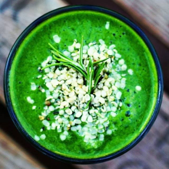 Grüne Smoothies Rezepte zum selbermachen: Matcha Green Smoothie inspired by Super.Good.Food