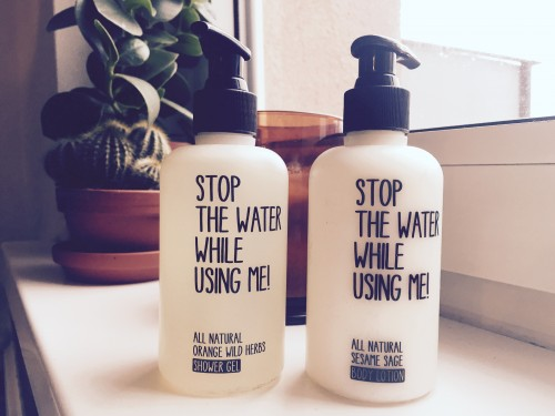 STOP THE WATER WHILE USING ME - Natürliche Beautyprodukte für sportliche Ladies