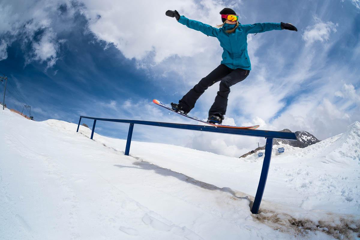 anna gasser slopestyle snowboard profi im interview. Black Bedroom Furniture Sets. Home Design Ideas