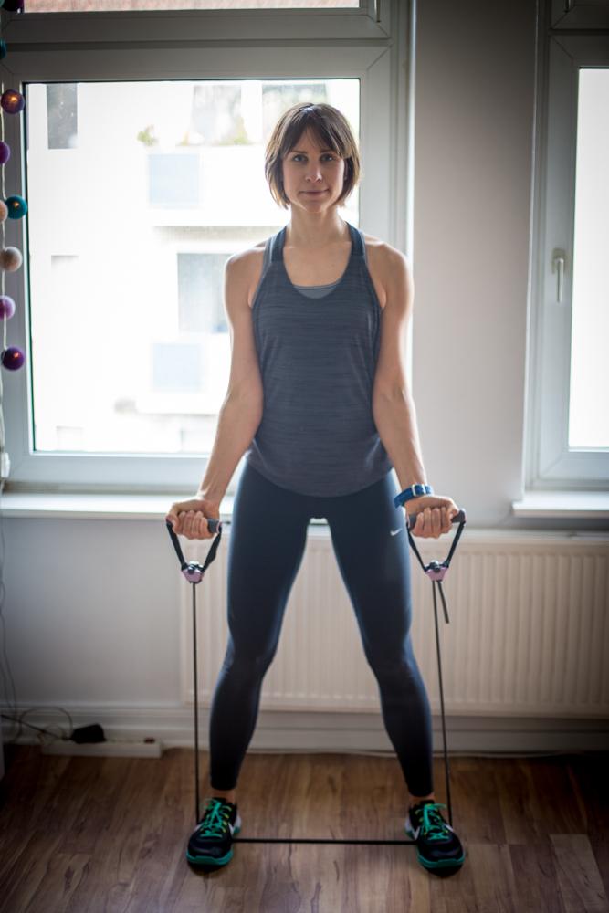 Expander Übungen für Bauch Beine und Po