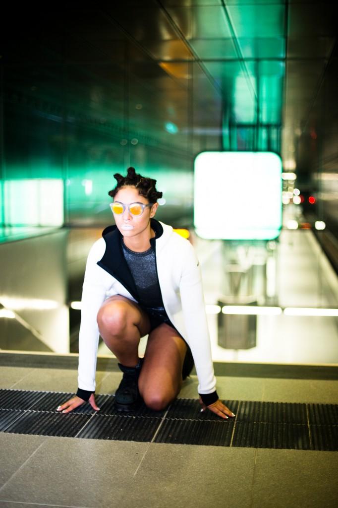 strong-magazine-paulina-akbay-astronaut-sport-fashion-nike-mode-fitness-futuristik-fotografie-19