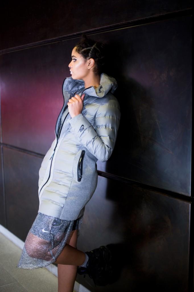 strong-magazine-paulina-akbay-astronaut-sport-fashion-nike-mode-fitness-futuristik-fotografie-21