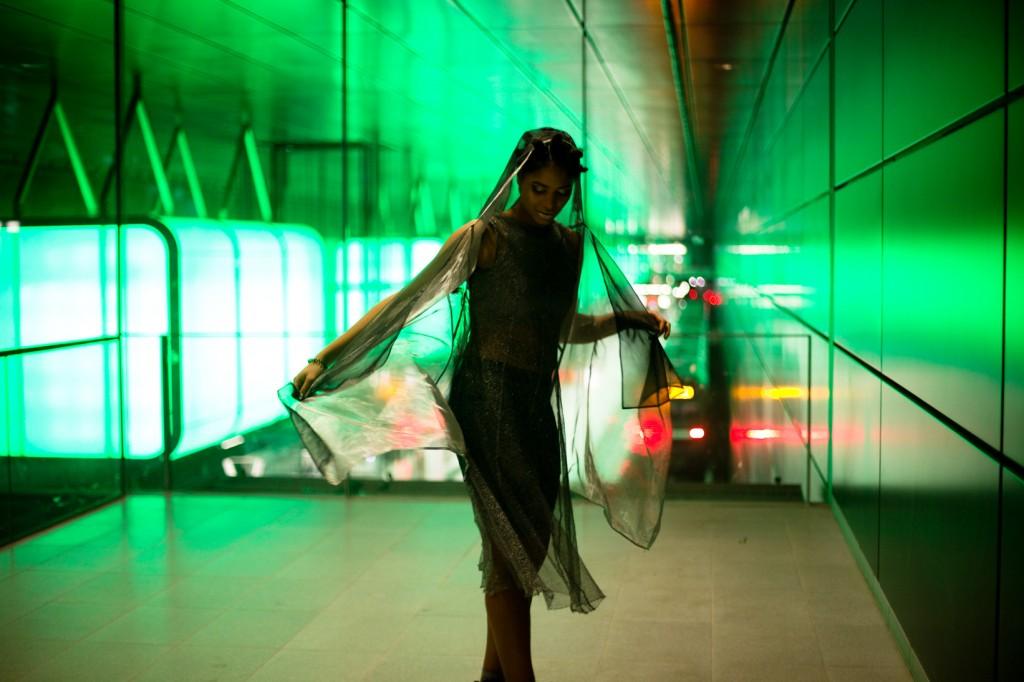 strong-magazine-paulina-akbay-astronaut-sport-fashion-nike-mode-fitness-futuristik-fotografie-23