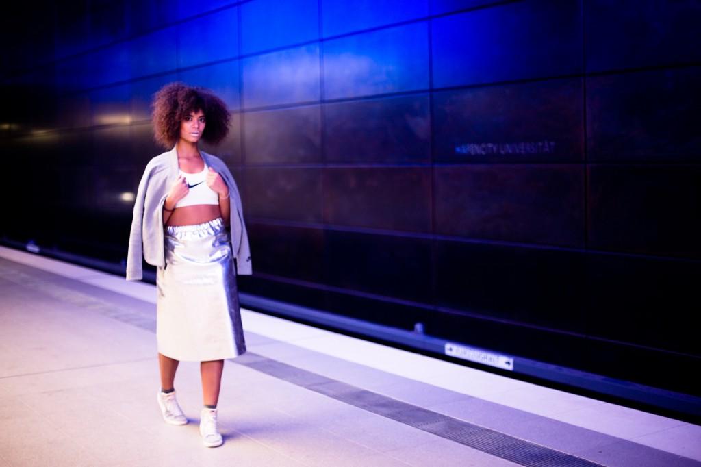 strong-magazine-paulina-akbay-astronaut-sport-fashion-nike-mode-fitness-futuristik-fotografie-3