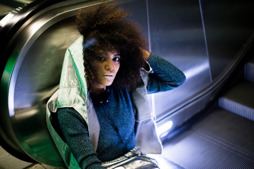 strong-magazine-paulina-akbay-astronaut-sport-fashion-nike-mode-fitness-futuristik-fotografie-6