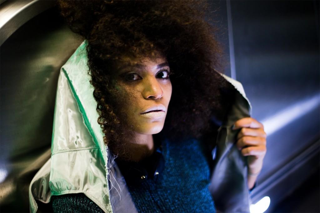 strong-magazine-paulina-akbay-astronaut-sport-fashion-nike-mode-fitness-futuristik-fotografie-7