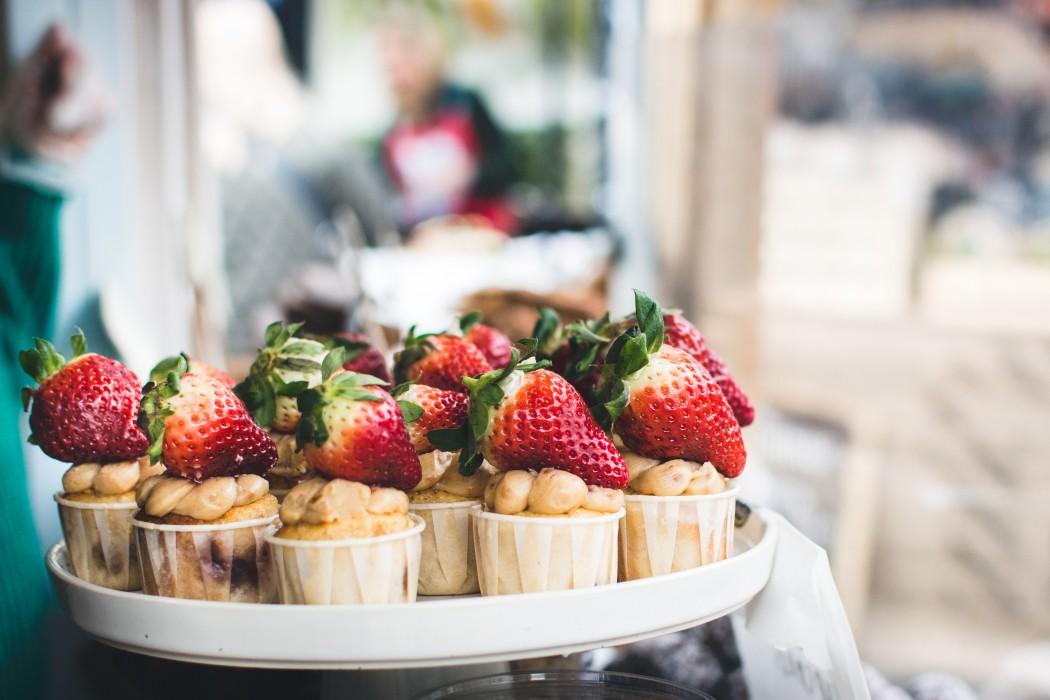 Low Carb Erdbeer Cupcakes