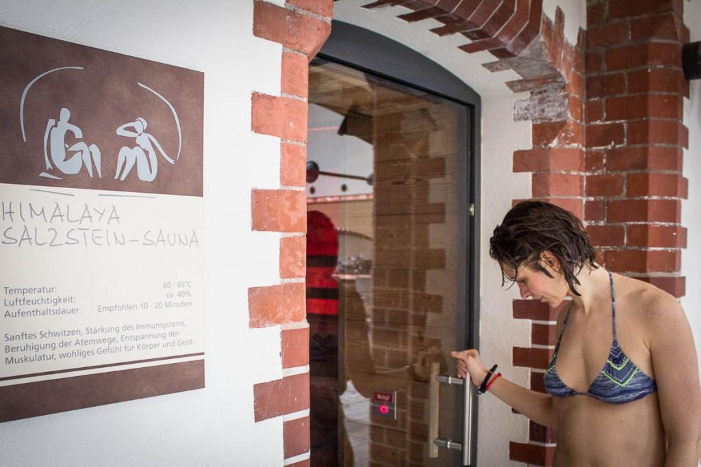 Himalaya-Sauna Check - hier darf man mit Bikini rein