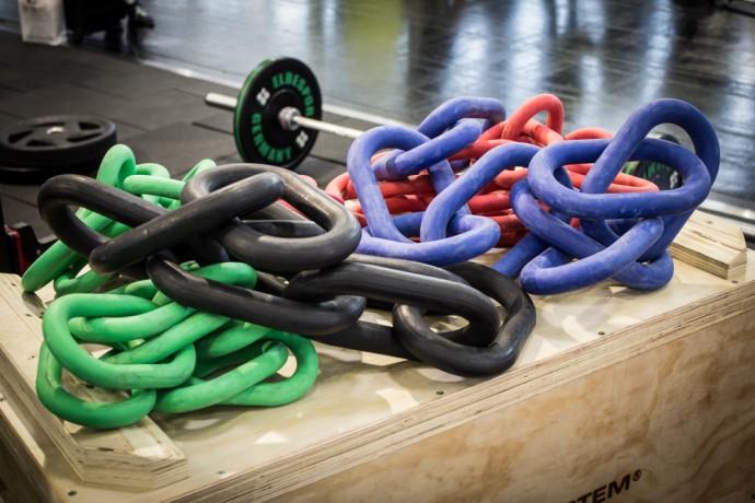 U9 Chains - diese Ketten waren mein persönliches Highlight, weil man einfach ALLES damit machen kann und gleichzeitig noch schön evil dabei aussieht ;-)