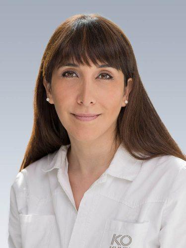 Frau Afsaneh Fademi - Fachärztin für Dermatologie, Venerologie und Allergologie. Bilder KÖ Klinik