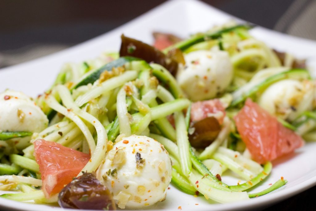 Low Carb Mittagessen: Zucchini Nudeln - Zoodles
