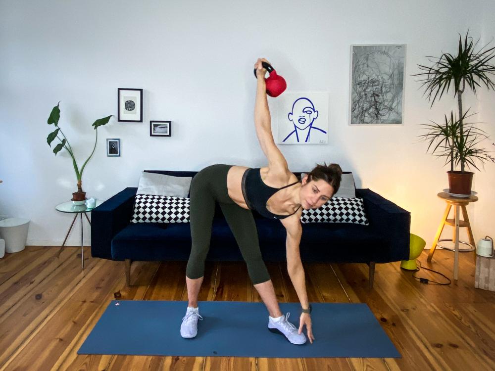 Kettlebell Übungen - Workouts mit der Kugelhantel für Zuhause - Kettlebell Trainingsplan & Kettlebell Übungsanleitungen