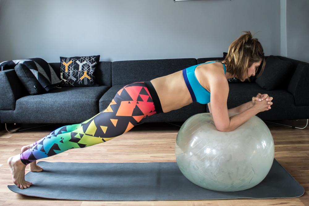 Umgekehrte Plank mit Roll Out nach vorne
