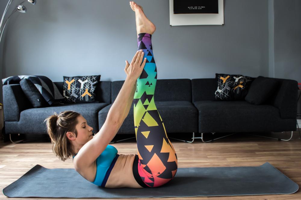 Bauchmuskeltraining - Bauch Übungen für Zuhause für einen flachen Bauch