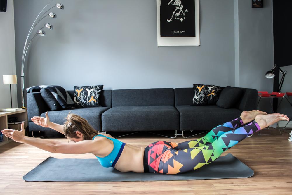 Supermans - Bauch Übung für Zuhause