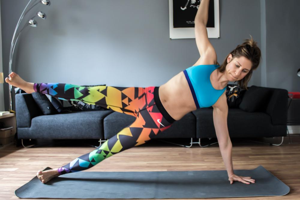 Seitliche geöffnete Plank - super für die seitliche Bauchmuskulatur