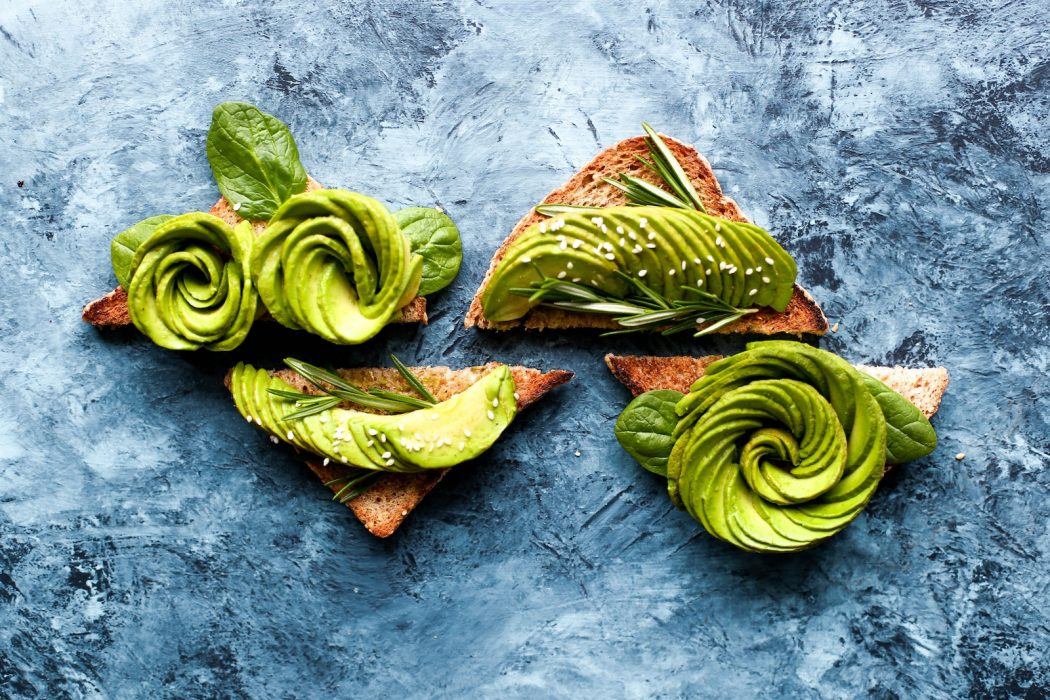 Ketogene Rezepte für das Lunch: Avocado Sandwiches