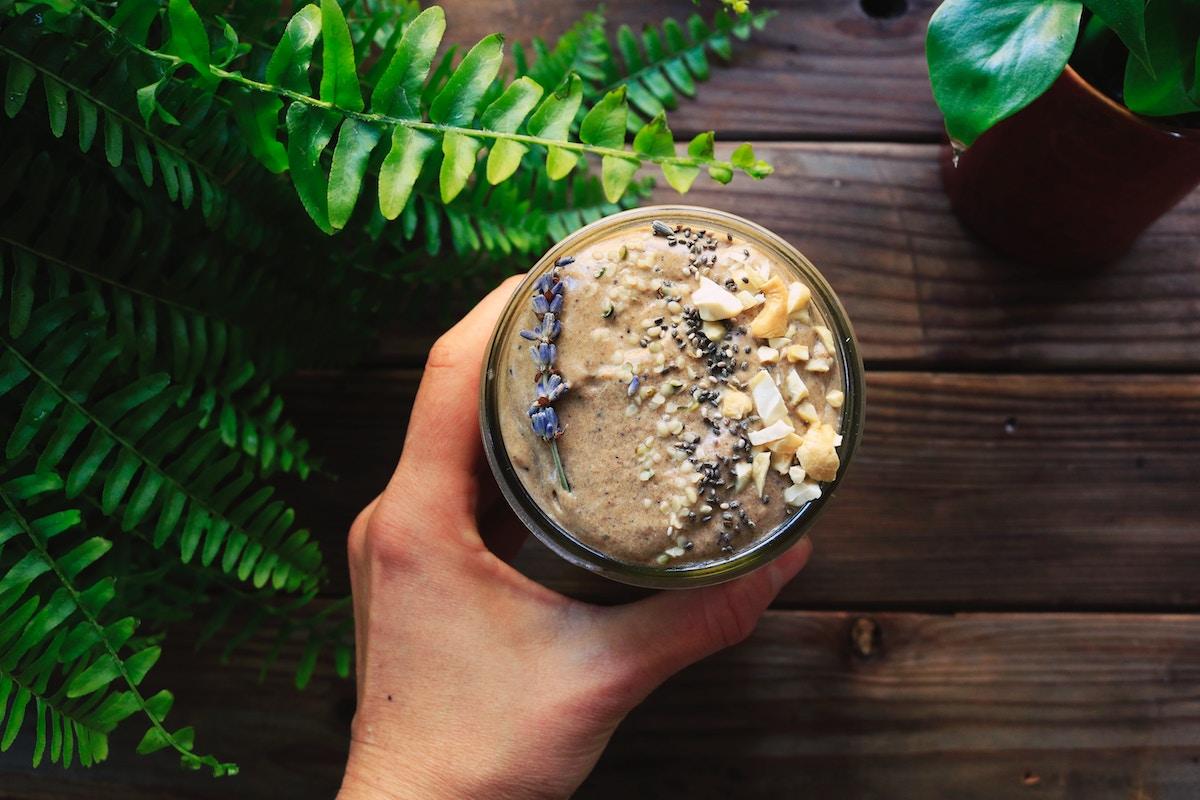 Banana Bread Smoothie Rezept zum Abnehmen als Ersatz fürs Frühstück und einen flachen Bauch