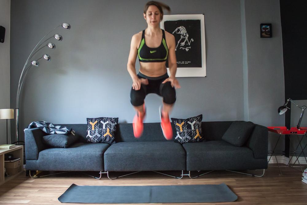 Tuck Jumps - HIIT Workout Übung Cardio