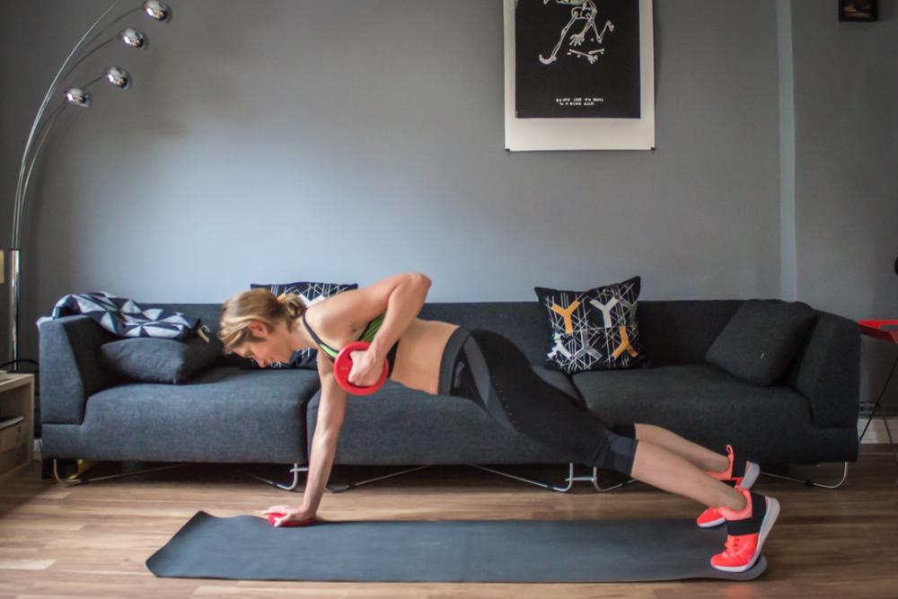 Vorgebeugtes Rudern mit Plank
