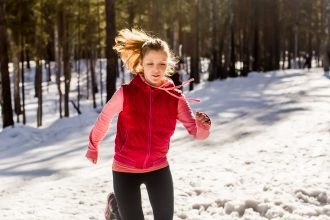 Joggen in Winter - Tipps Ausrüstung für Läufer bei Schnee
