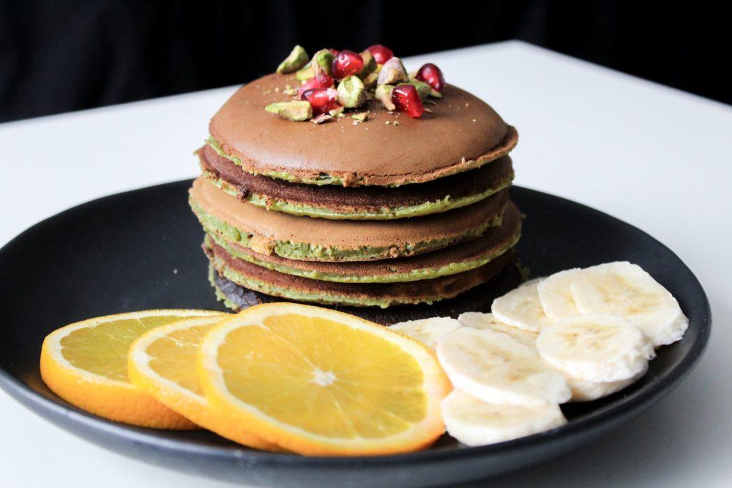 Rezept für grüne Protein Pancakes mit Matcha