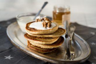 Rezept für vegane Protein Pancakes mit Erdnussbutter