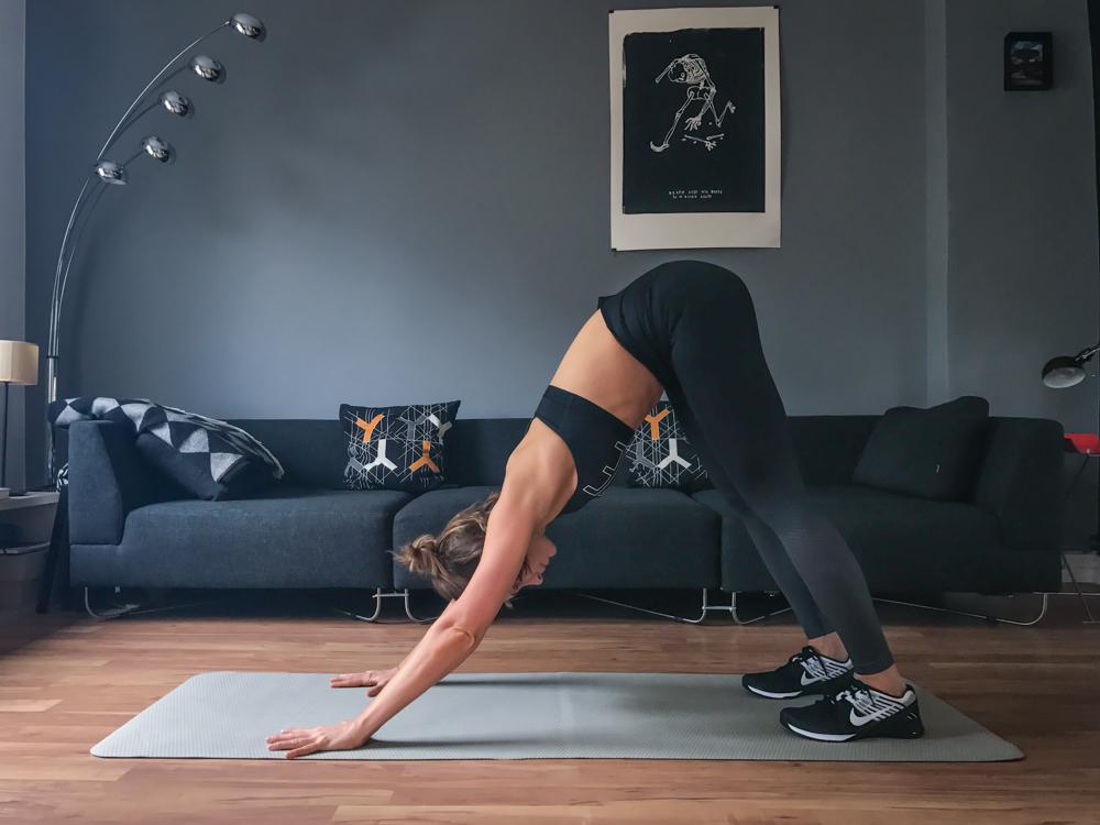 Plank mit Hüftflexor - Variante des Bankstütz für die Bauchmuskeln