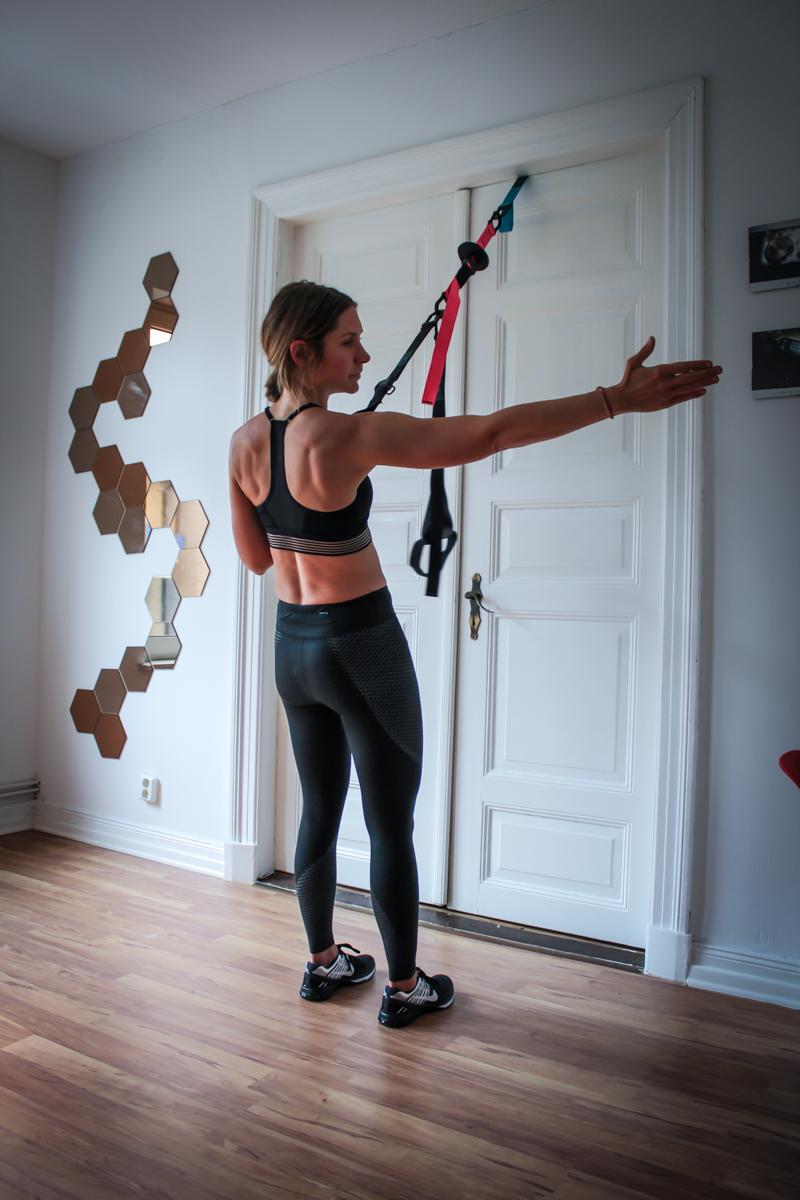 Power Row - TRX Übung für den Rücken und die Arme