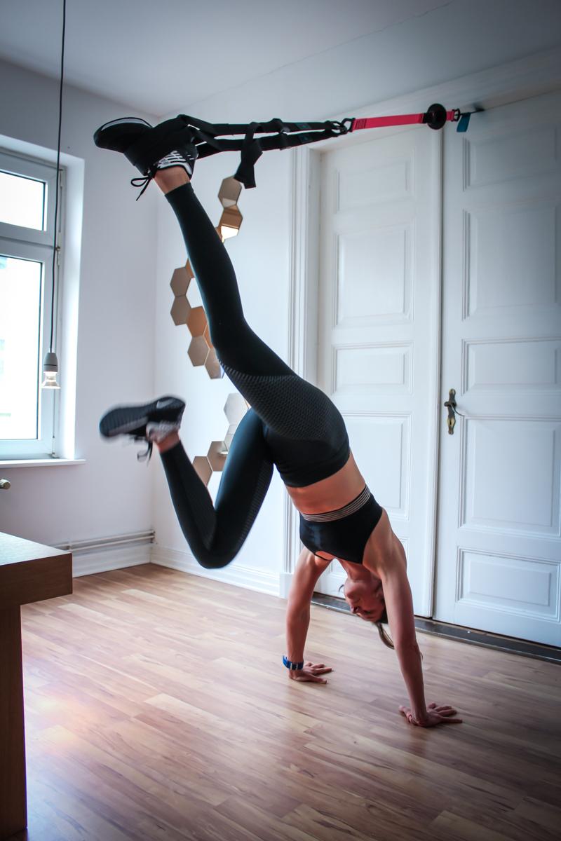 Handstand im TRX - Übung für den ganzen Körper