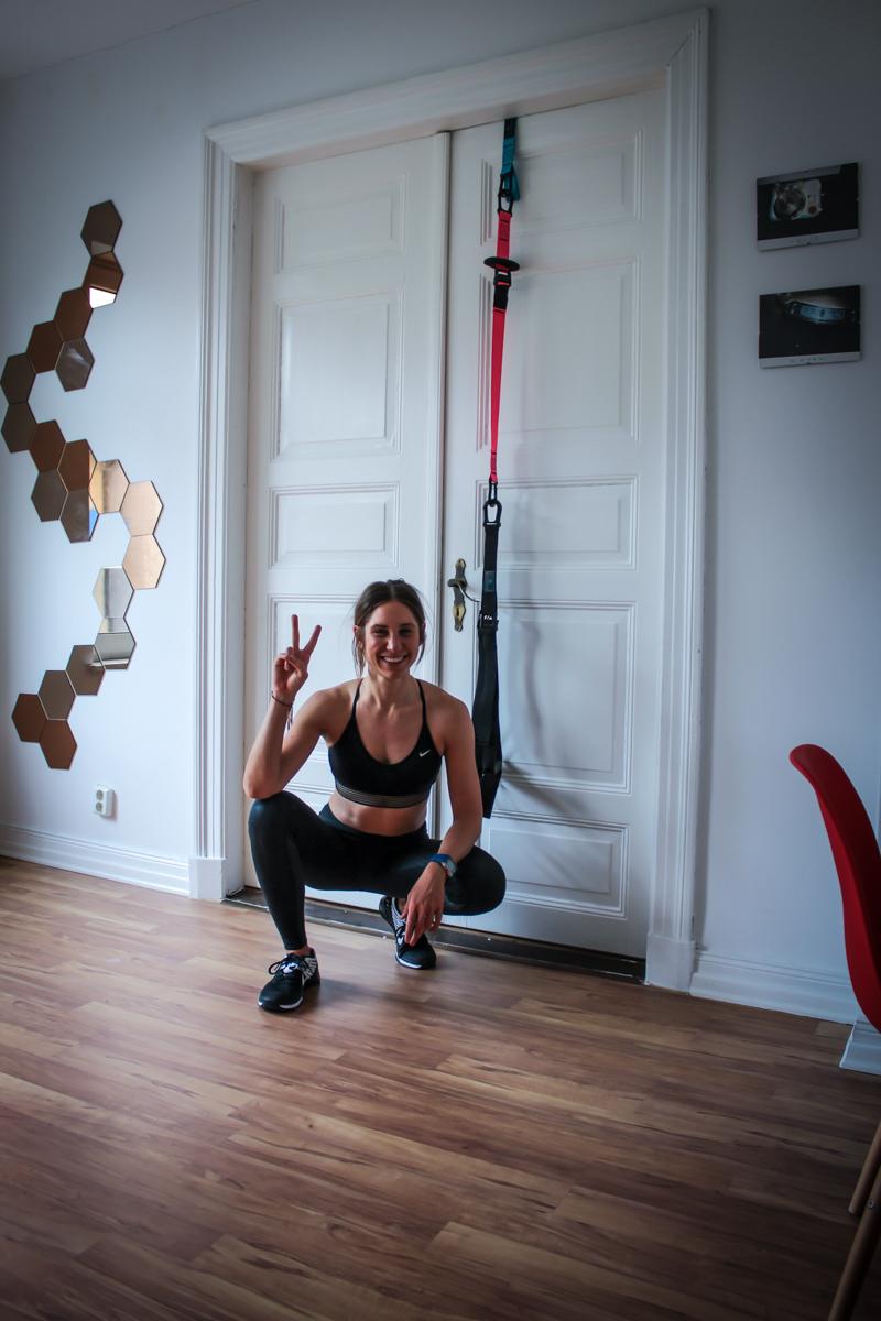 31 Schlingtrainer Übungen für Zuhause für Bauch, Rücken, Brust & Po - Anleitung