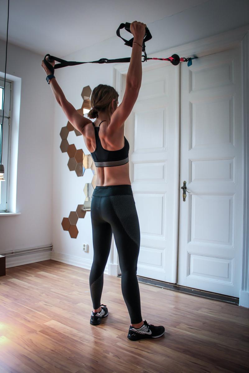 Sling Trainer Rückenübung