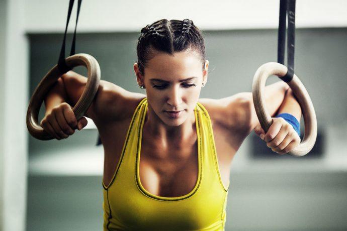 CrossFit Übungen für Zuhause - 18 WODs ohne Geräte - Crossfit Trainingspläne für Frauen
