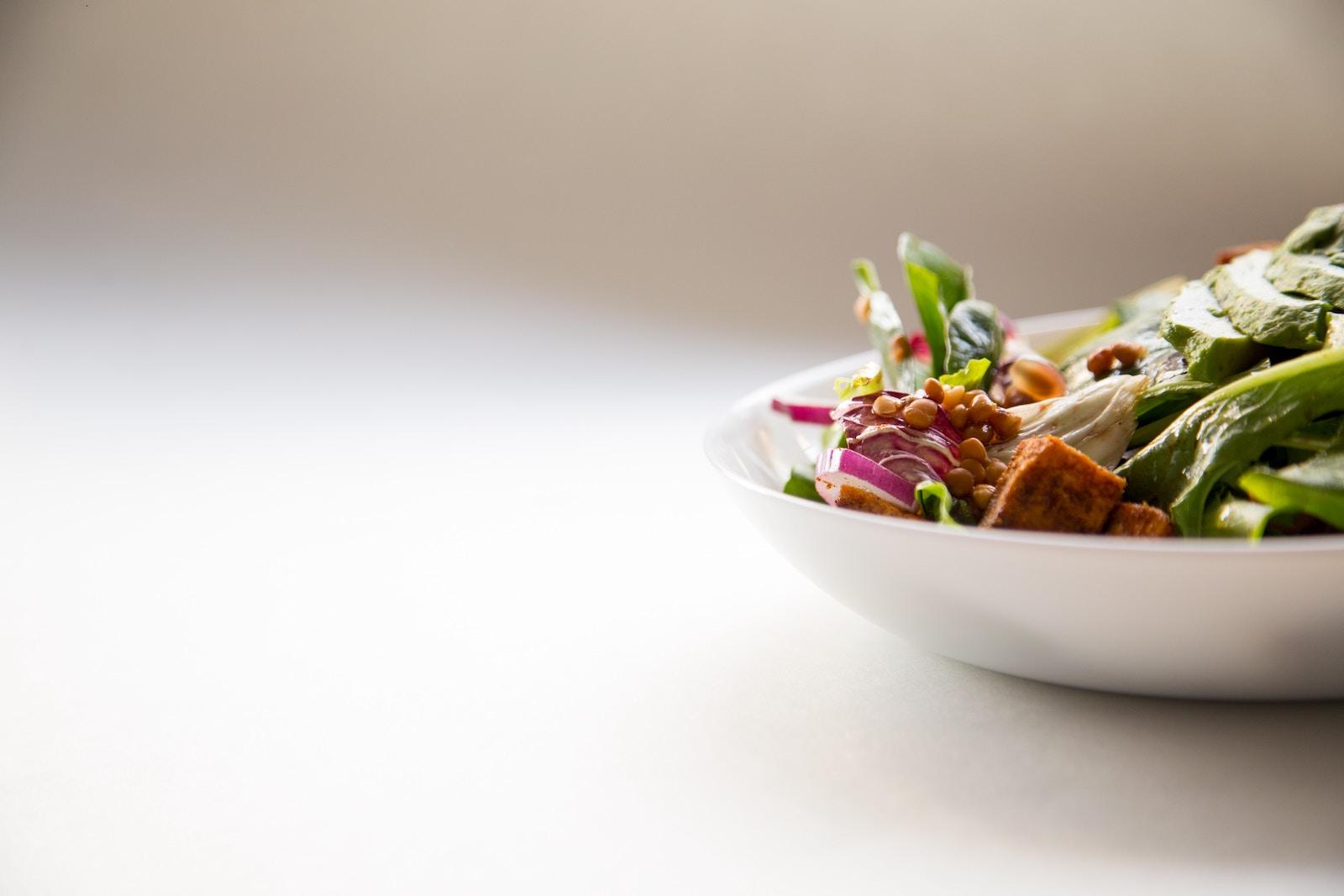 Thunfischsalat - das ideale ketogene Mittagessen