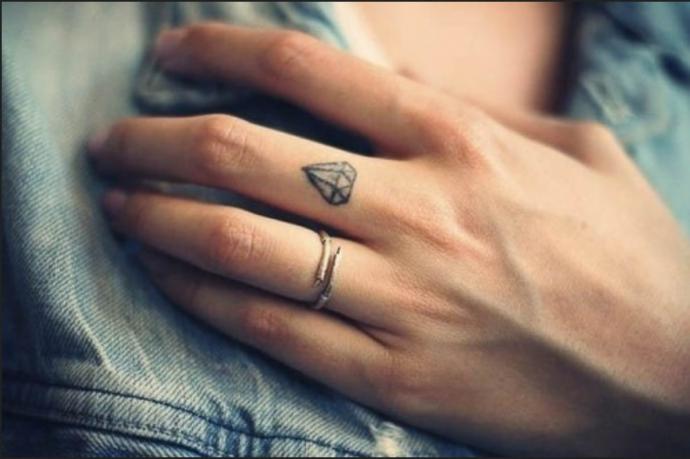 Mini Tattoo Motive für Frauen