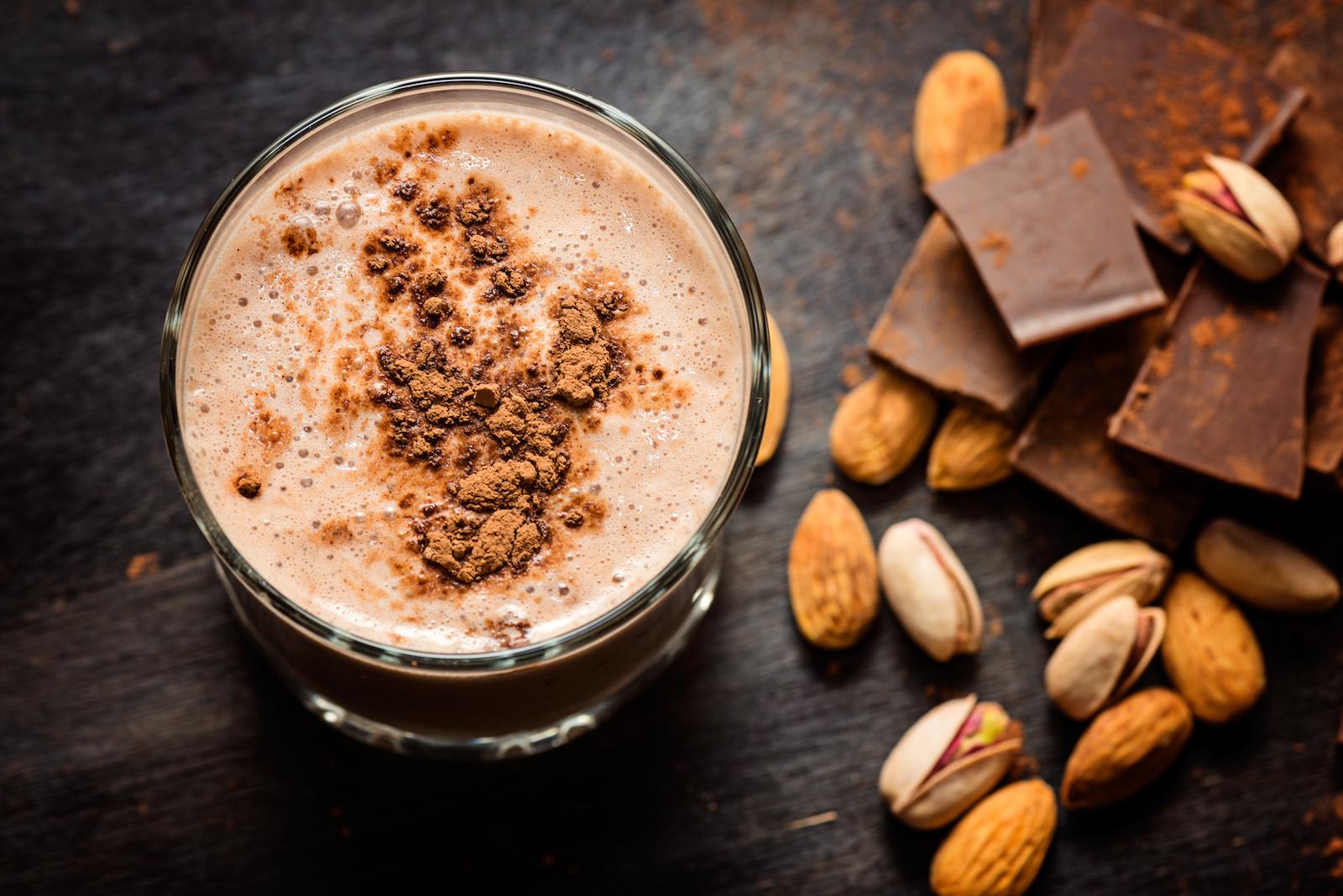 Vegane ketogene Rezepte - Zimt Schokoladen Breakfast Smoothie