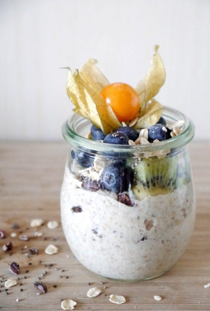Chia Blaubeer-Mandel Pudding