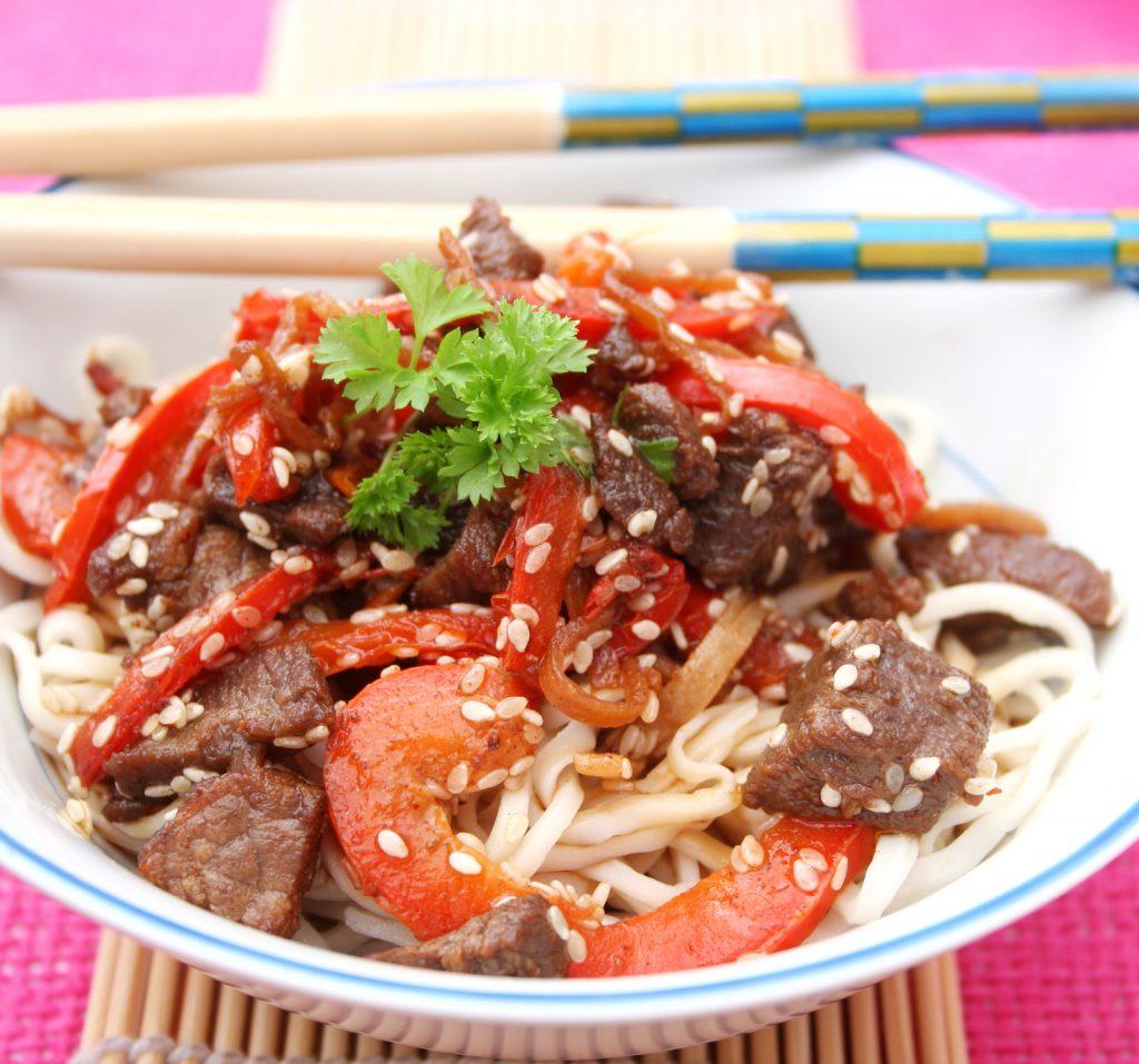 Ketogene Rezepte: Rindfleisch mit Sesam fürs Dinner
