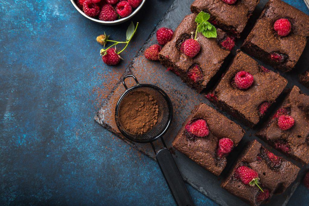 Low Carb Protein Himbeer-Brownie Rezept mit Proteinpulver