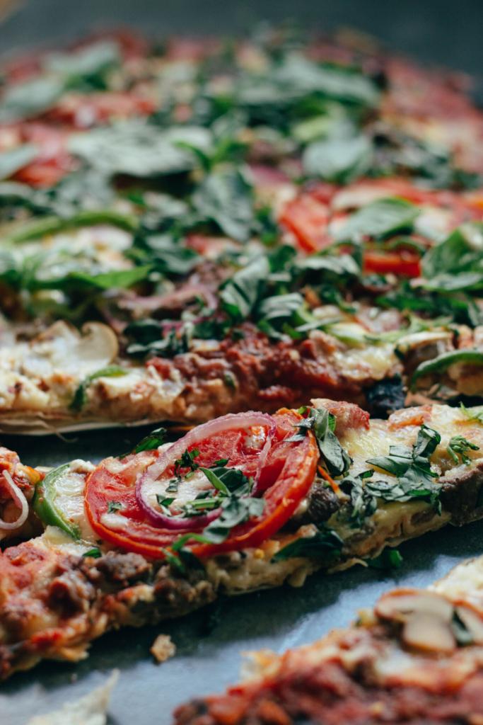 Low Carb Pizza aus Spinat