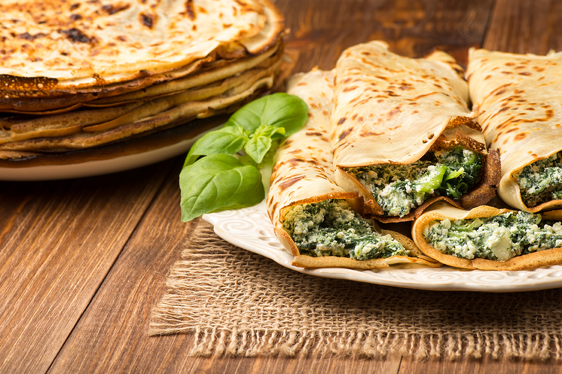 Keto Frühstücks-Wrap mit Spinat und Feta
