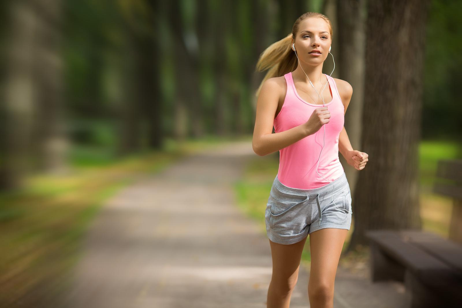 Cardio Training am Morgen oder am Abend - was sind die Vorteile und Nachteile?