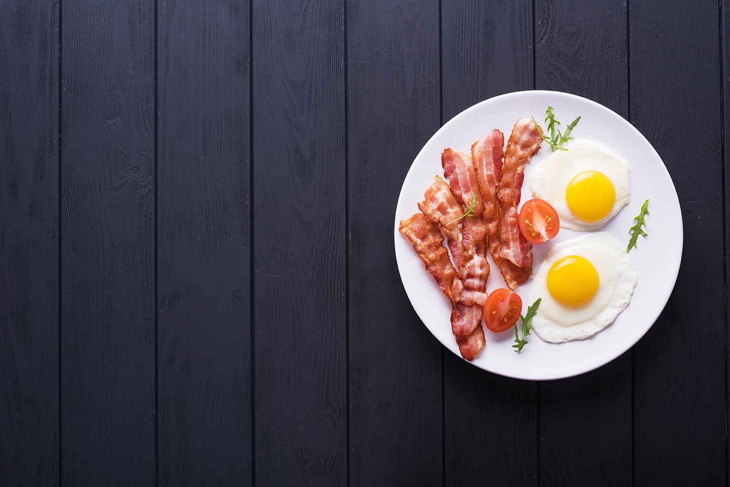 Ketogene Frühstücksrezepte: Bacon and Eggs