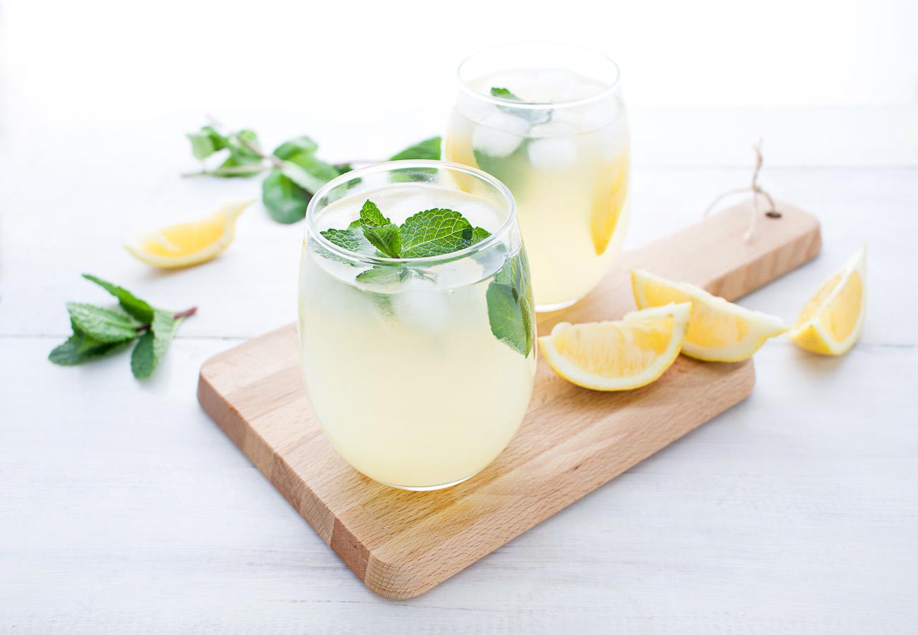 Lemon Detox Drink für Detox Kur Zuhause