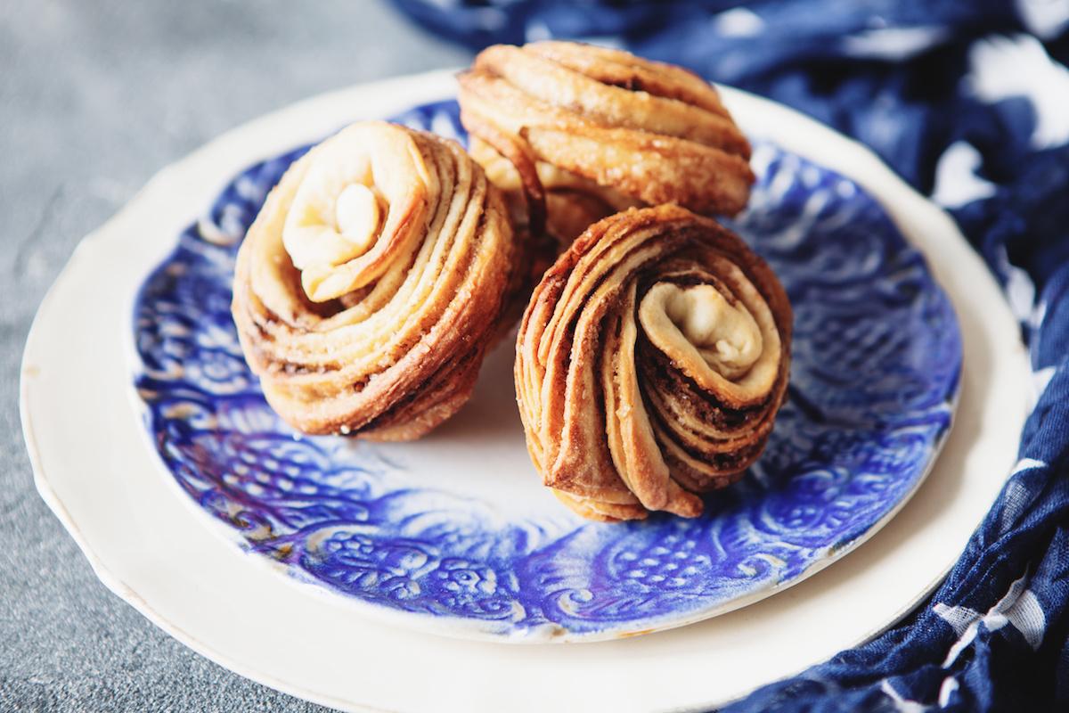 Ketogene Muffins selber machen - Keto Muffin Rezept für ketogene Muffins mit Zimt