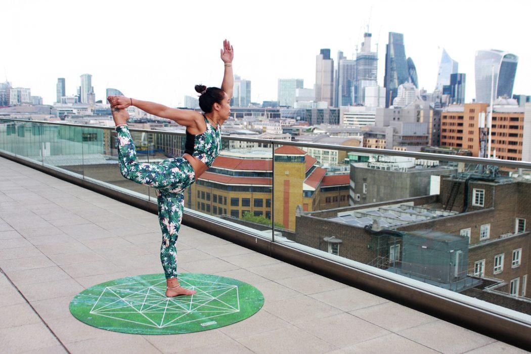 Yoga fürs Büro - der Trainingsplan für die Mittagspause