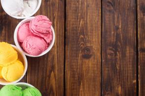 Keto Eis – 10 Rezepte für ketogenes Eis zum selber machen